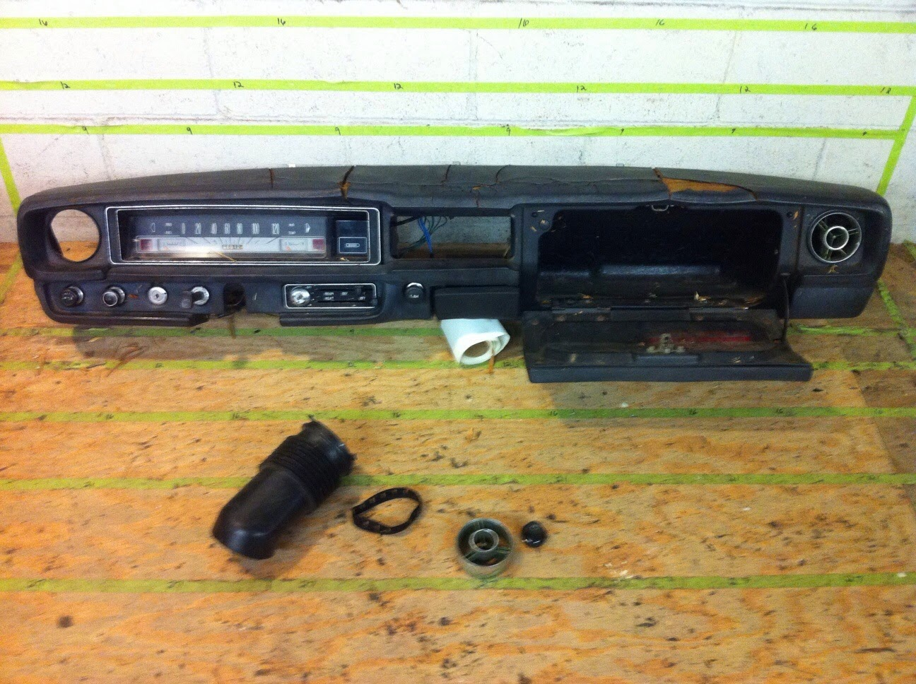 Datsun 510 Gaugesrare Clock In Gauges Whats It From The Realm 1968 Wiring Diagram Just Dashes Production Center Dash Pad