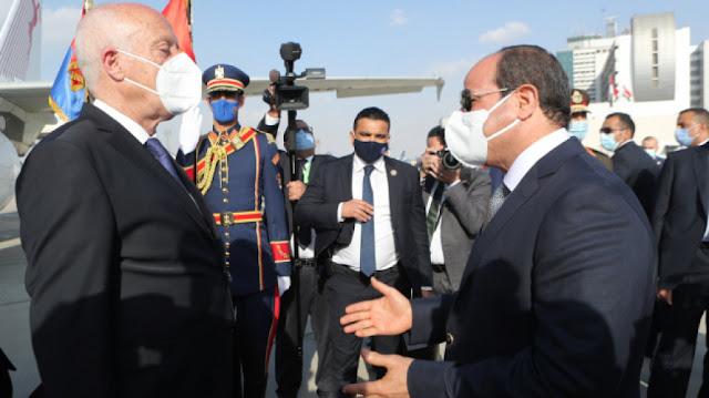 السيسي يستقبل قيس سعيّد لدى حلوله بـ مصر