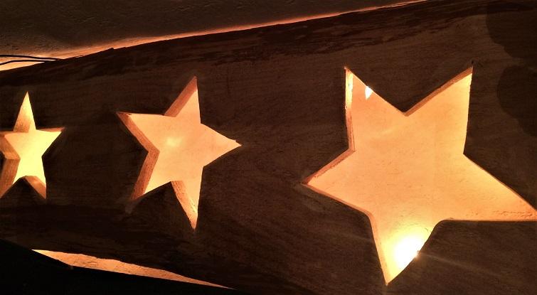 Sterne in Schwartenbrettern
