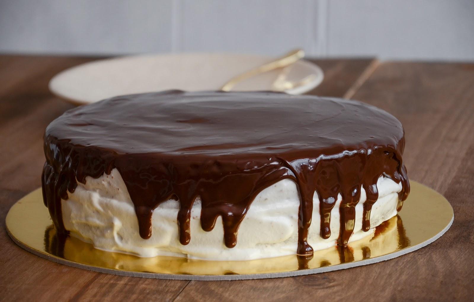 Bolo de Baunilha com Chantilly e Chocolate   Segundas-feiras Doces na RFM