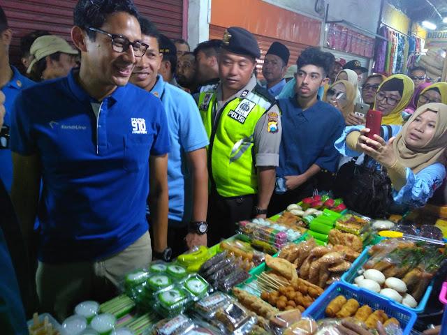 Sandi Kunjungi Pasar Besar Kota Malang, Pedagang: Ternyata Ganteng Sekali Ya..