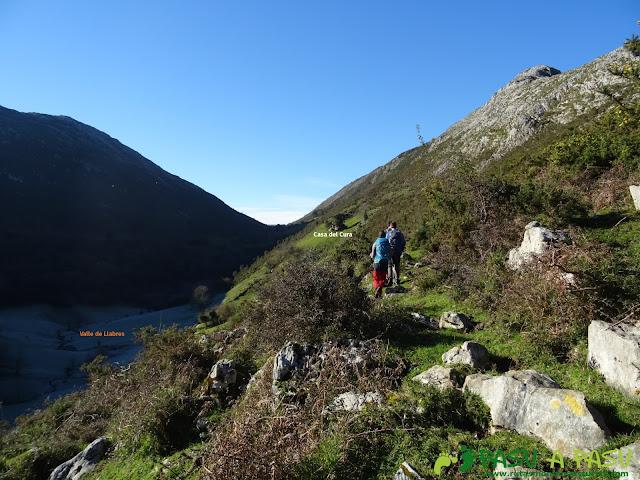 Ruta al Cerro Llabres: Sobre el Valle de Llabres