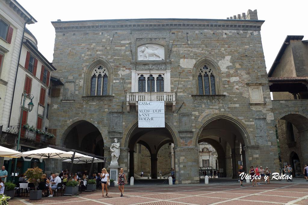 Qué ver en Bérgamo: Palazzo della Ragione