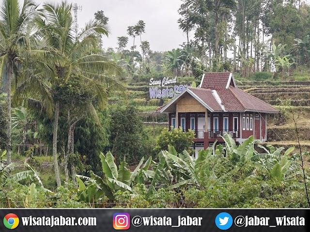 Lebih Dekat Mengenal Profil Desa Wisata Saung Ciburial  Garut