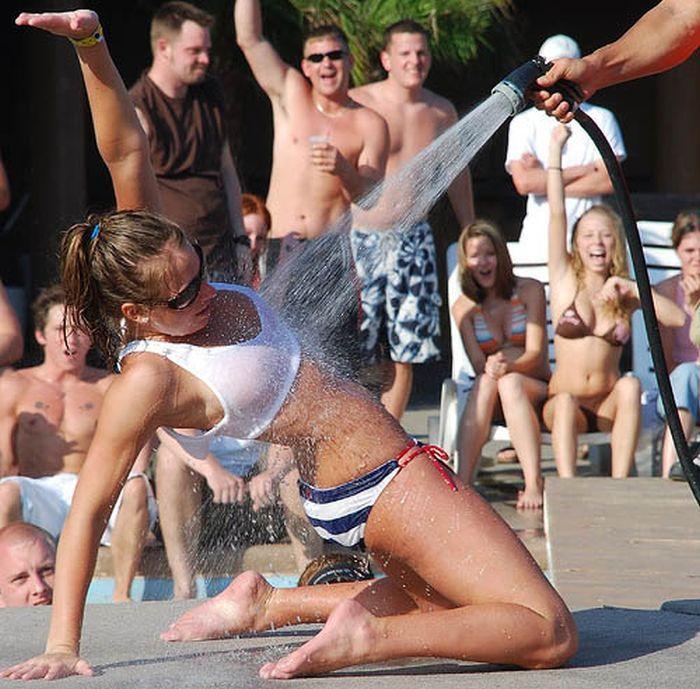 Молодежные вечеринки по-американски (14 фото)