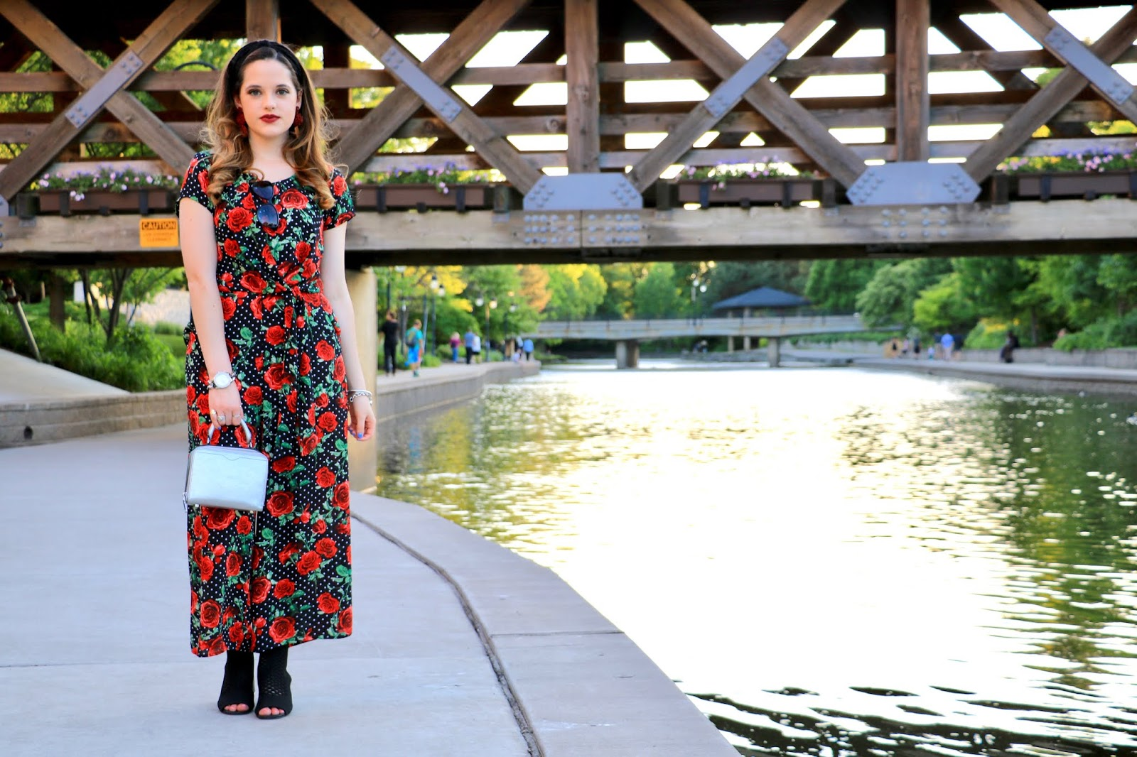 Nyc fashion blogger Kathleen Harper's Naperville Illinois photo shoot spots