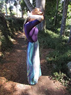 De top a vestido con falda larga tonos morados