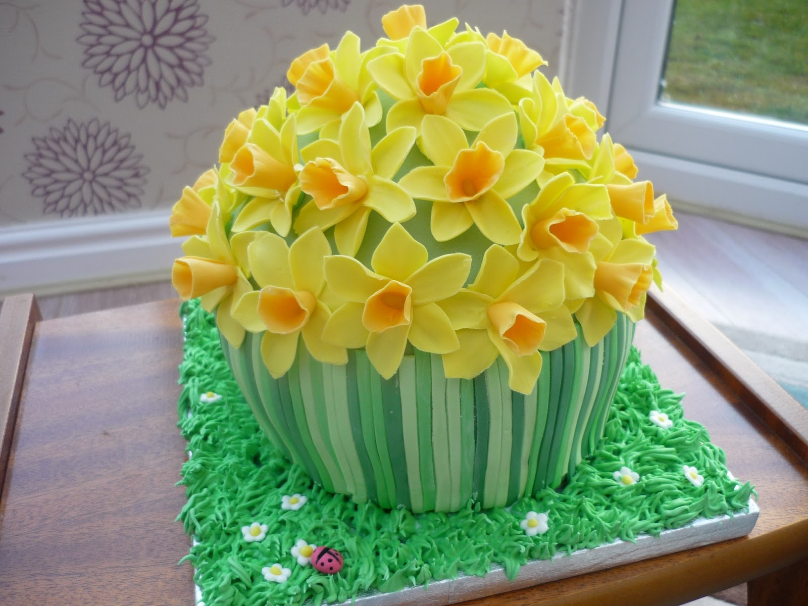 How To Make Daffodils For Cake