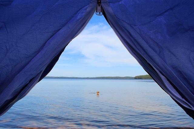 Järvinäkymä teltasta