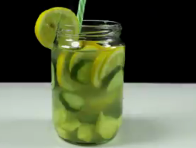 Most Efficient Drink For Flat Tummy: Sassy Water