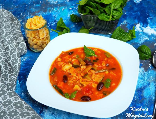 Minestrone włoska zupa
