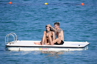 Bella-Thorne-continue-their-love-filled-romantic-holiday-in-Sardinia%2C-Italy.-f7fcn9vfja.jpg