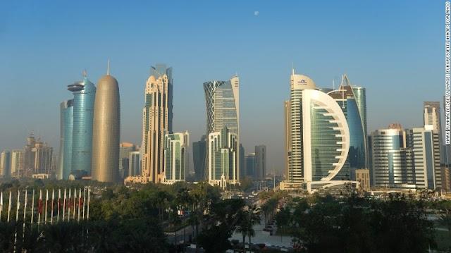 ن قطر تتجه قريبا لخسارة موقعها كأول مصدر للغاز