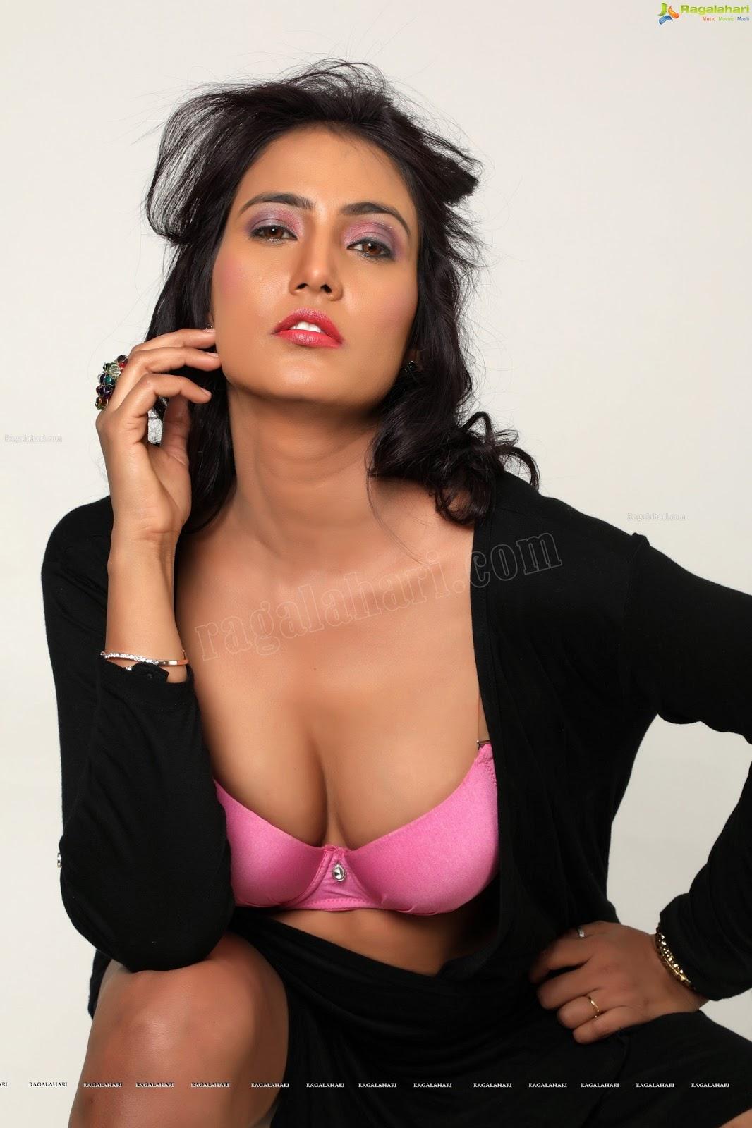 Telugu Actress Hot Photos Vijaya Maheshwari Hot Photos-6408