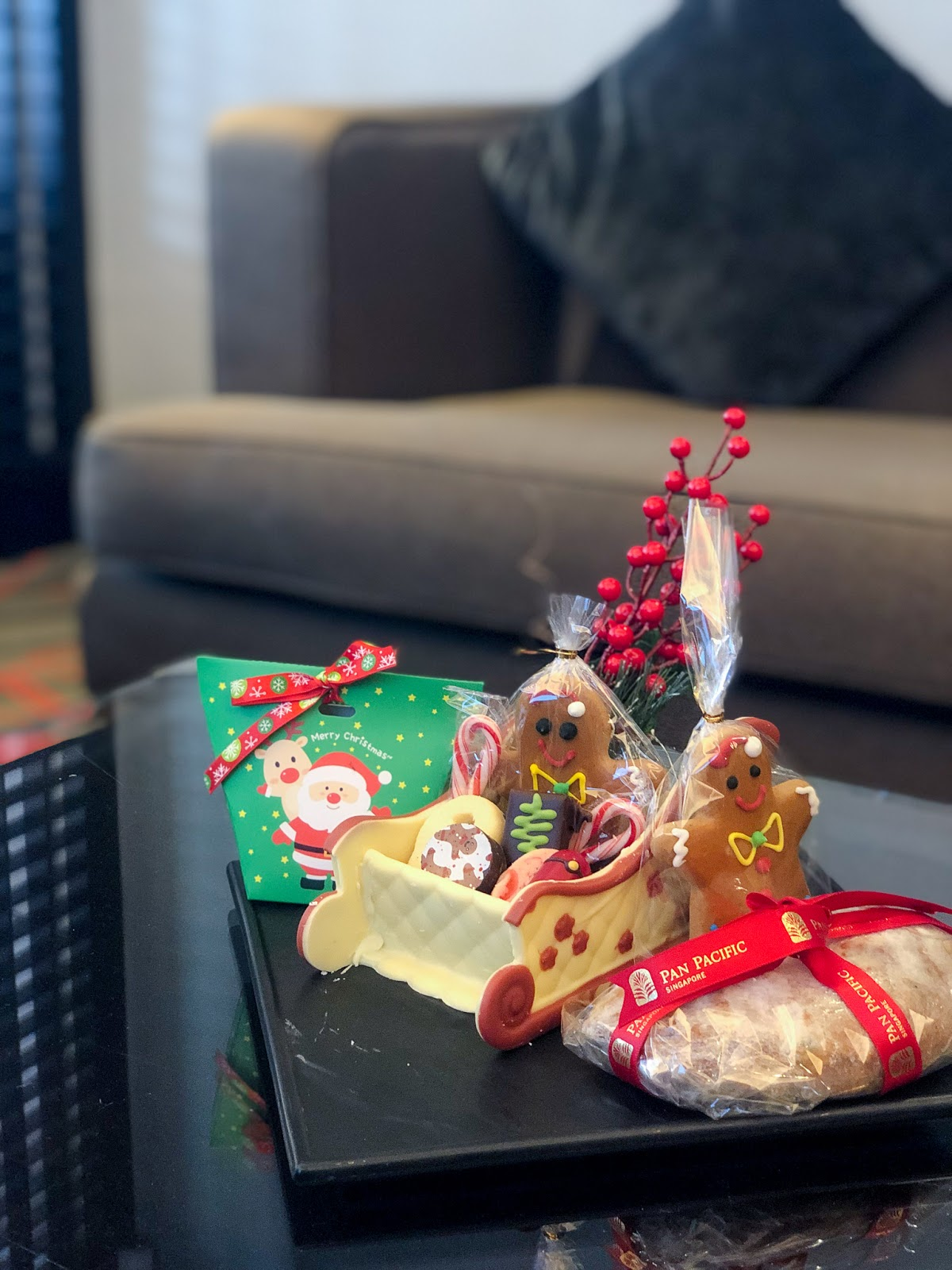 Pacific Harbour Studio Room Christmas Goodies