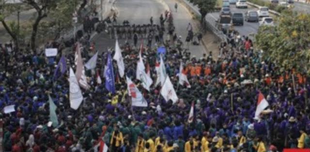 Puluhan Mahasiswa Pedemo Melapor Diancam DO oleh Kampus