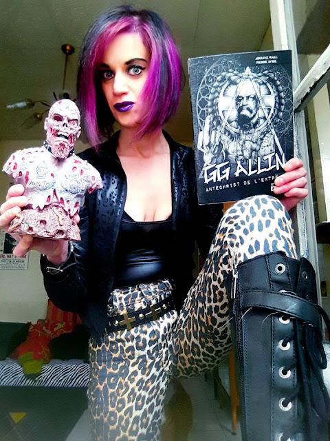 Alicia et GG Allin le livre, le buste