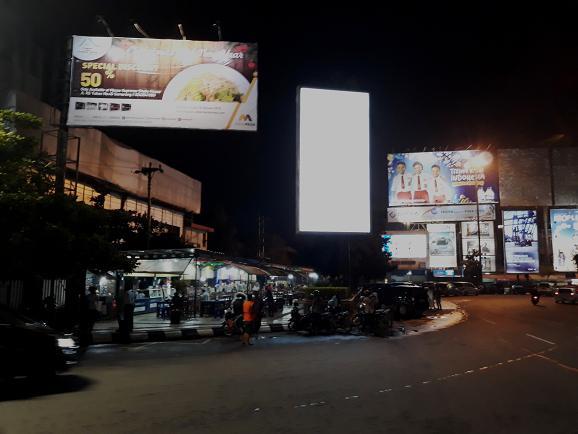 Lokasi kuliner Simpang Lima Semarang