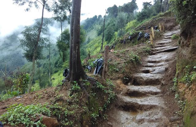 Camping di Puncak Gunung Prau indah