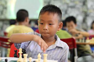 dạy cờ vua