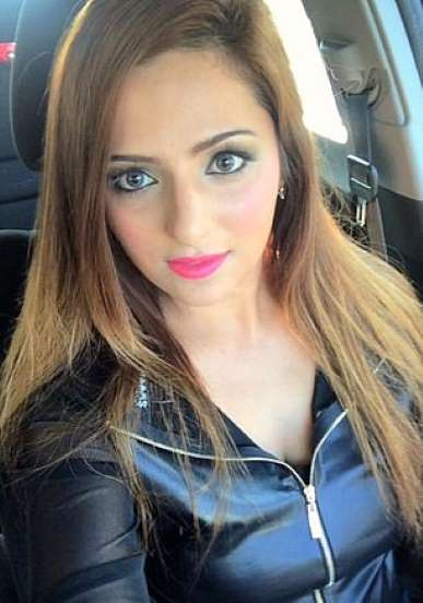 Pakistan beauty queen Zanib Naveed killed in a  car crash in Maryland, New York