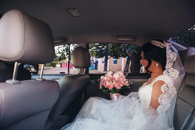 carro da noiva, buquê, peônias, emoção