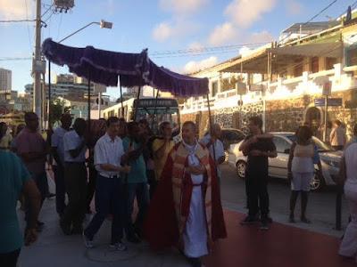 Procissão do Senhor Morto percorre as ruas do Rio Vermelho
