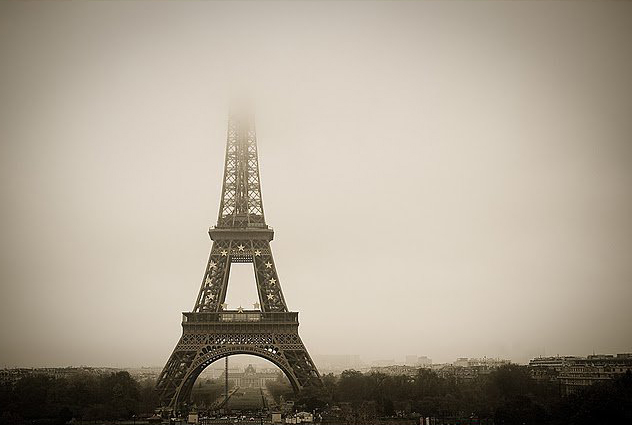Torre Eiffel Dibujo Animado A Color: Dibujos De La Torre Eiffel Para Colorear