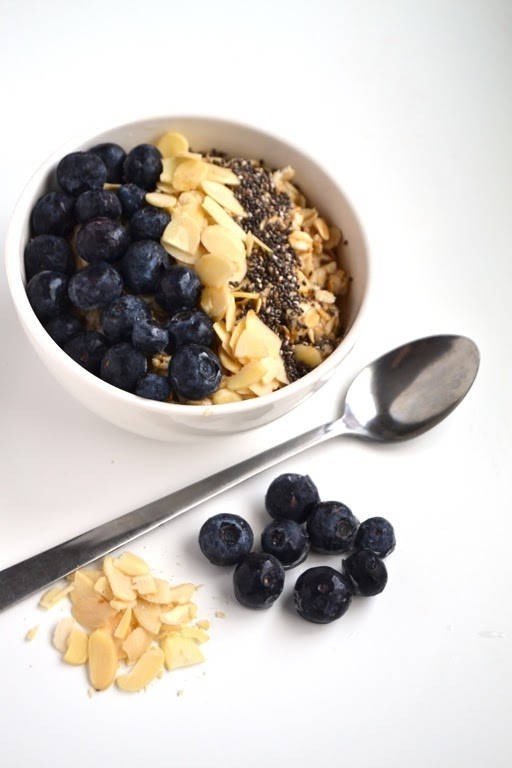 This Blueberry Pie Oatmeal is nutritious and takes 5 minutes to make! Tastes like your favorite dessert and is a great way to start your day. www.nutritionistreviews.com