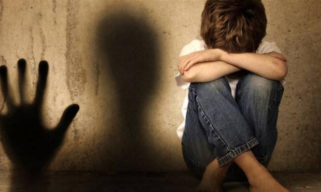 Πρέβεζα: καθημερινή κακοποίηση παιδιού, από τη μητέρα του και τα γιαγιά του