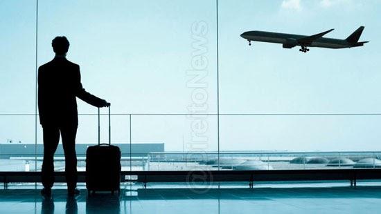 advogado processa companhia aerea doutorado voo