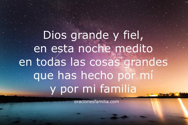 oracion para decir en la noche.  Frases cristianas para orar por la familia
