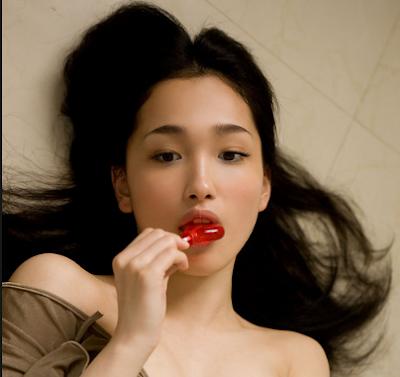 Reon Kadena Artis Jepang Paling Cantik dan Seksi