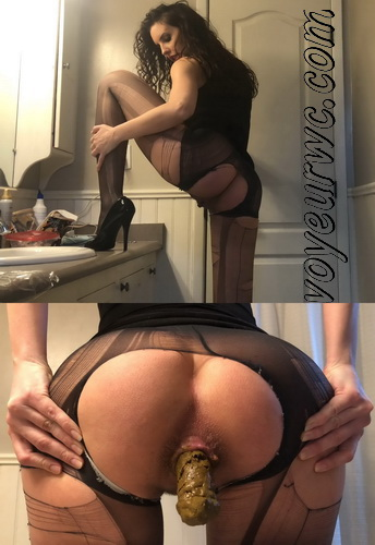 Big poop in ripped tights. Pregnant woman shit in bathroom (Pooping FE 478-482)