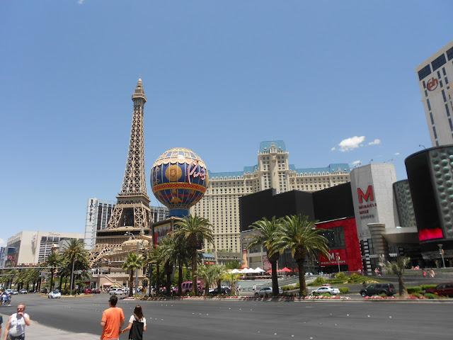 Las Vegas Boulevard - hotel Paris ao fundo
