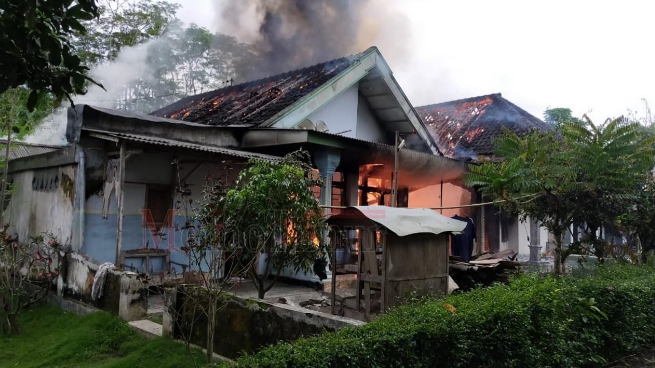 Akibat Drum BBM Bocor, 2 Rumah di Selok Awar-awar Ludes Terbakar