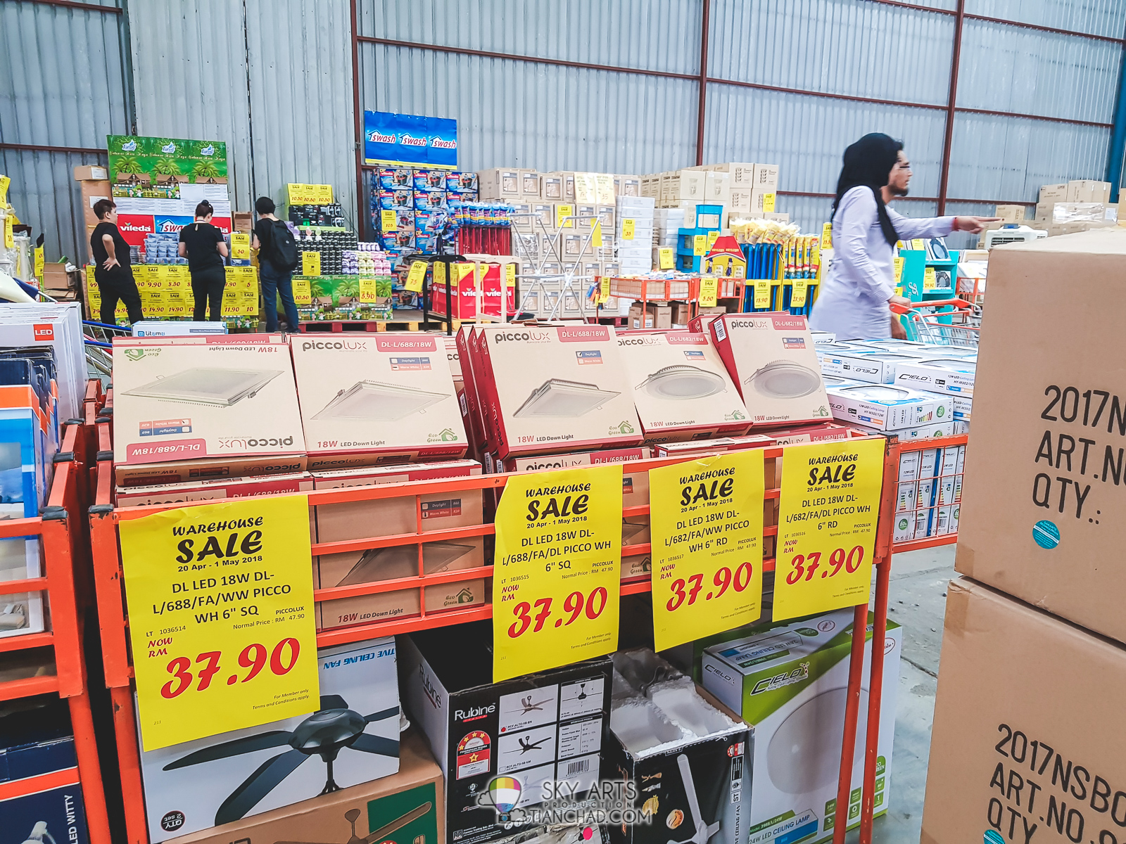 a3963a8c70ee4 HOMEPRO WAREHOUSE SALE Malaysia HomePro Jualan Gudang 2018 in Puchong -  Free ice-cream