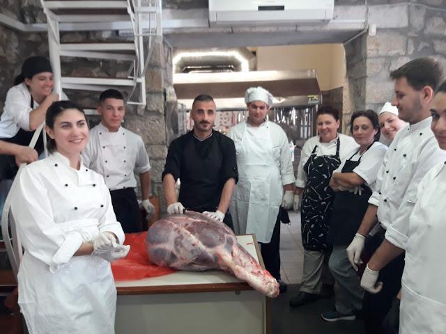 Εκπαιδεύτηκαν στον τεμαχισμό κρέατος οι σπουδαστές της ειδικότητας Τεχνικός Μαγειρικής Τέχνης του ΙΕΚ Πελοποννήσου