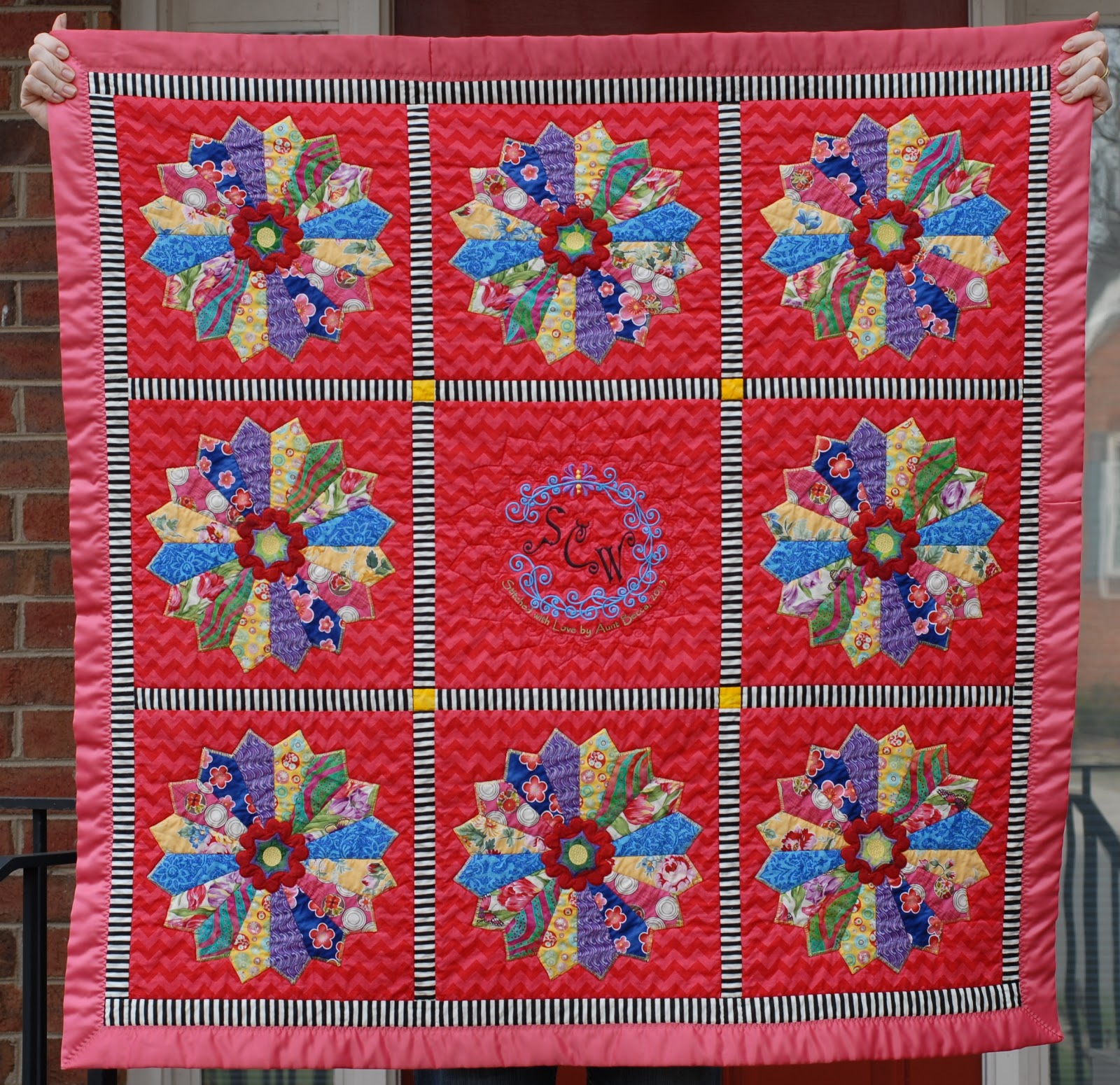 Cheeky Cognoscenti: Finished: Dresden Plate Minky Quilt
