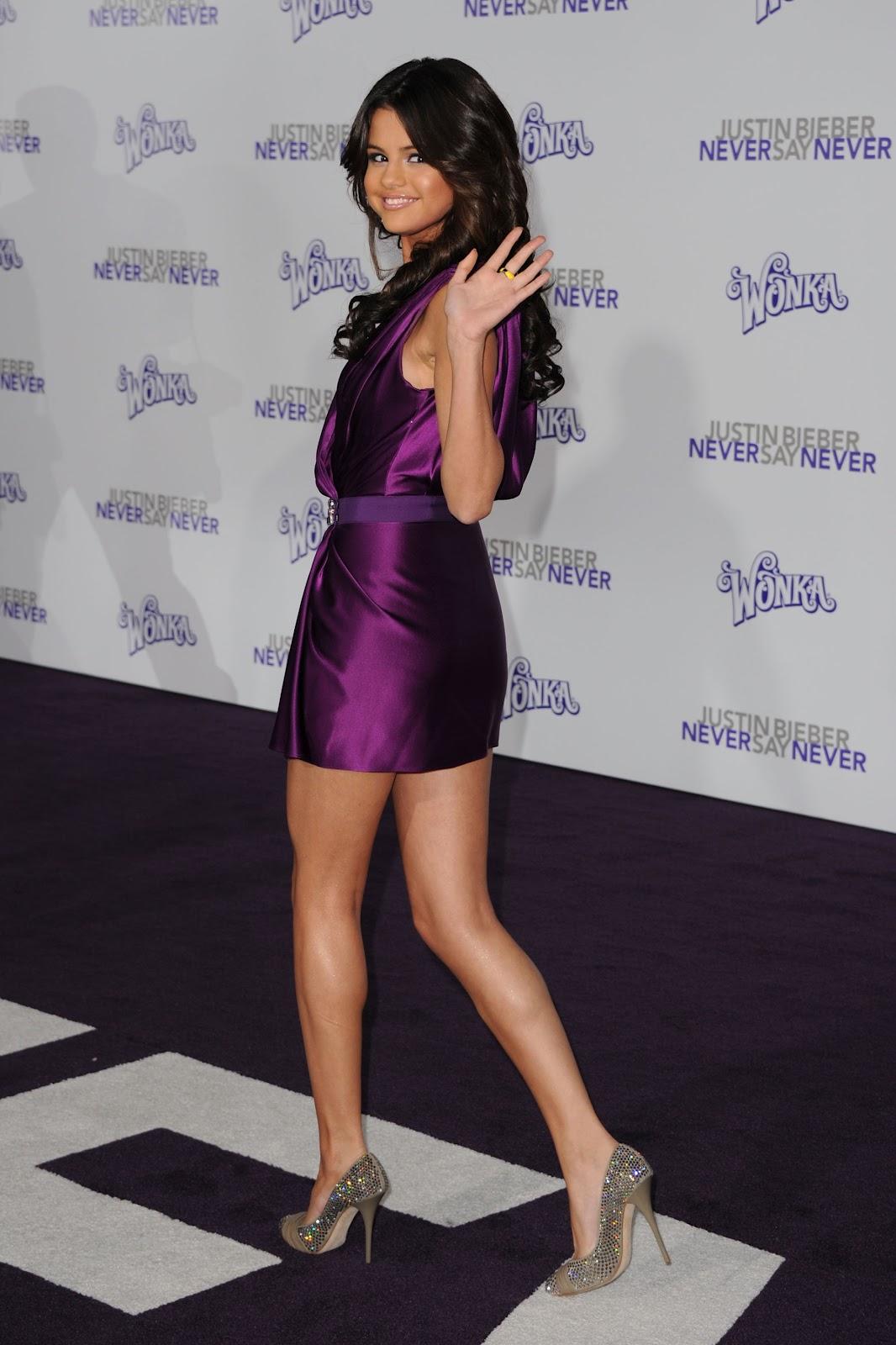 Selena Gomezs Legs And Feet-23 Sexiest Celebrity Legs And Feet