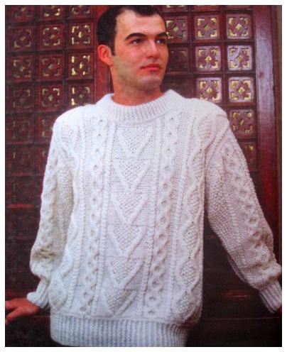 Модель классического аранского свитера.