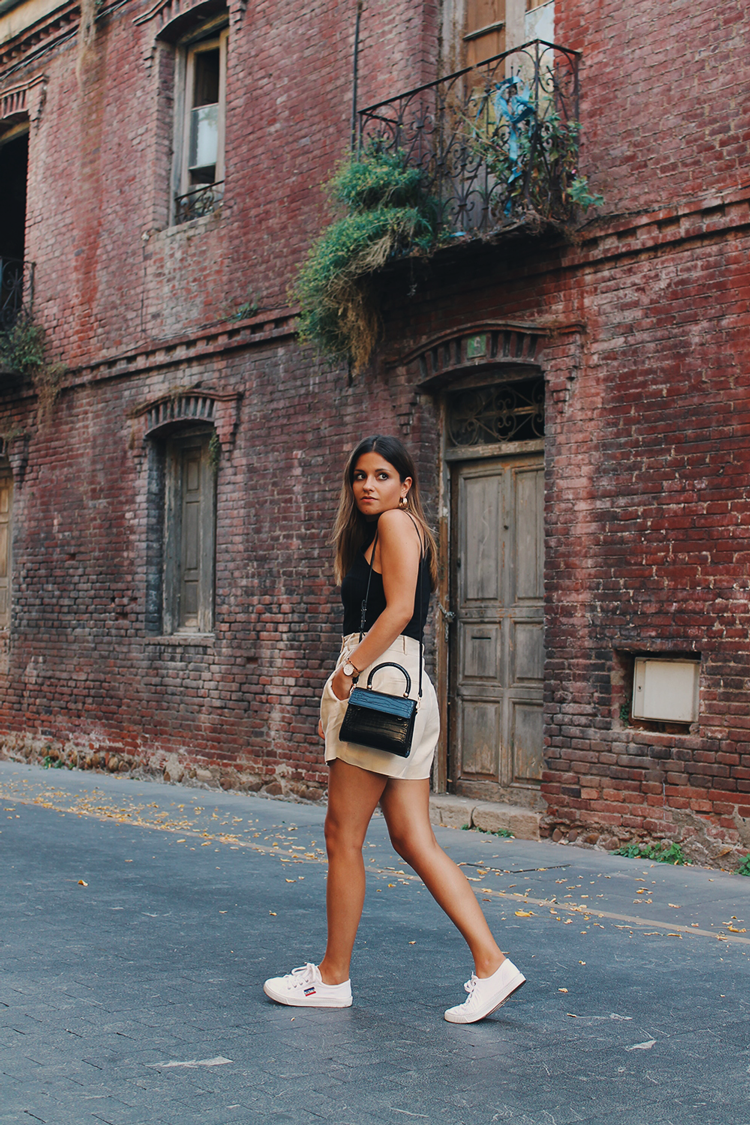 top halter pantalones lino outfit blog moda