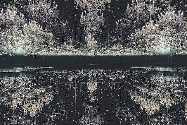 Yayoi Kusama mirrored art