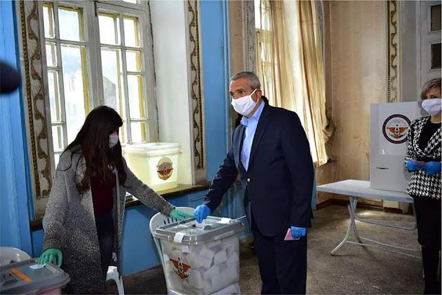A pesar del coronavirus Artsaj elige presidente