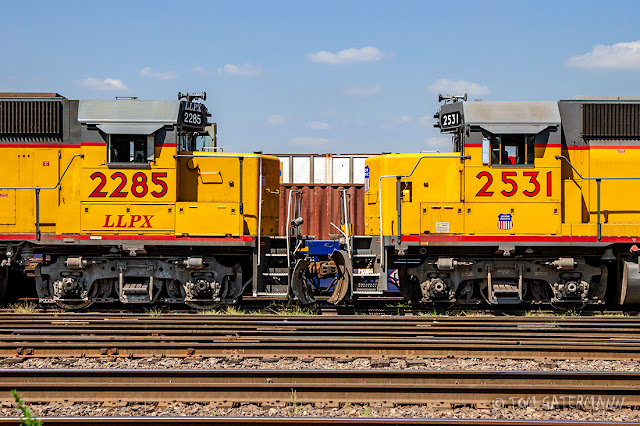 LLPX 2285 and UP 2531 are nose-to-nose in Union Pacific's Dupo Yard