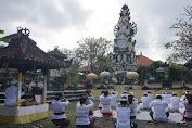 Sinar Suci Muncul ,Saat Bupati Klungkung Nunas Ica di Pura Jagatnatha