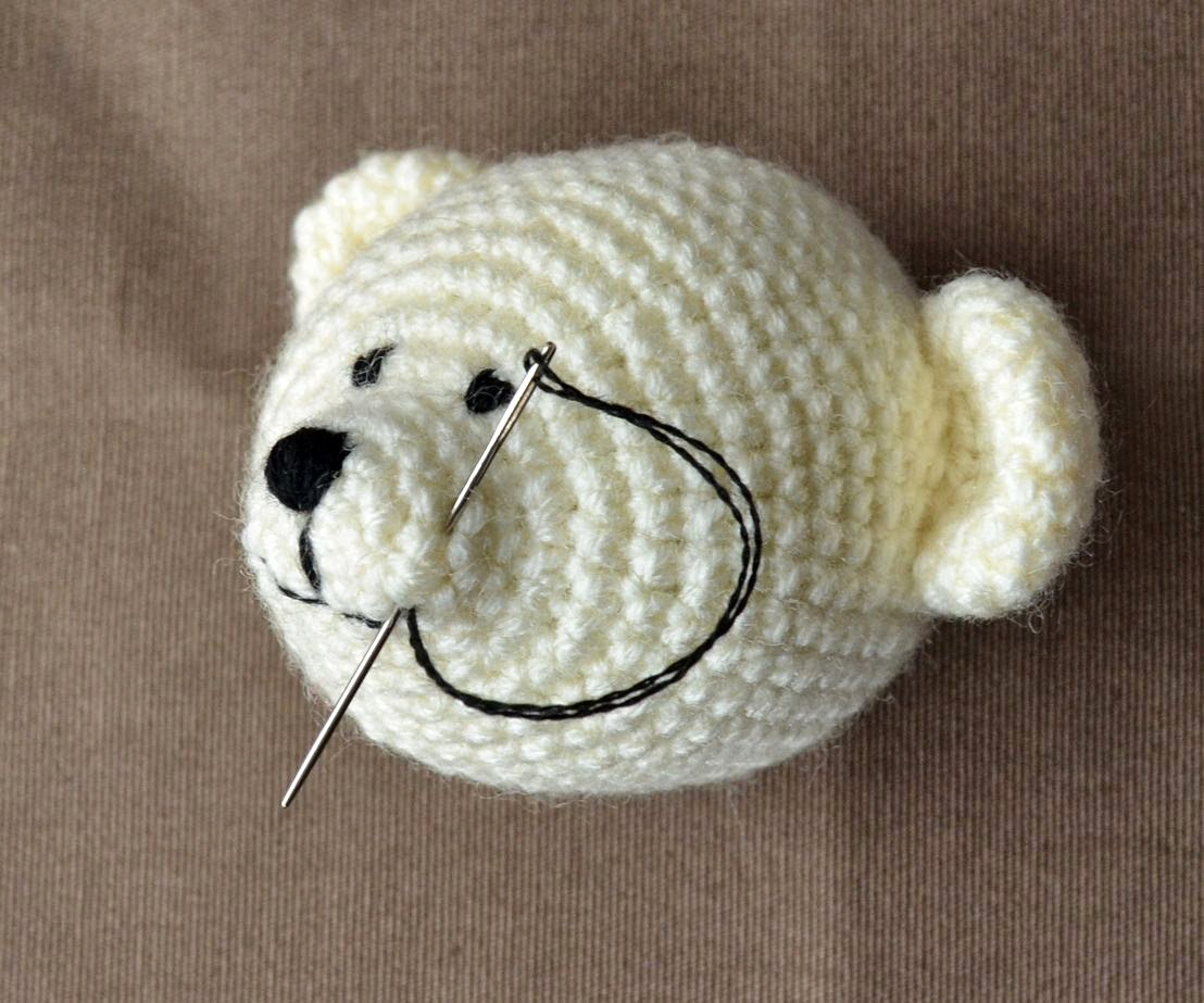 How to... Make Amigurumi Eyes with Yarn | Yeux crochet, Animaux d ... | 923x1108
