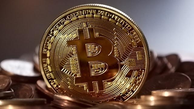 El bitcóin supera los 10.000 dólares y alcanza su nivel más alto desde octubre