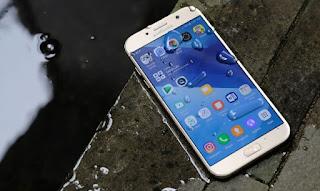 smartphone anti air dan tahan banting