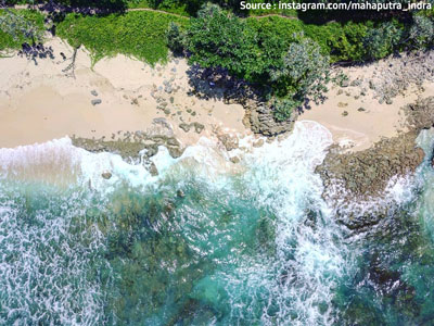 Tempat Wisata Pantai Jonggring Saloka Malang